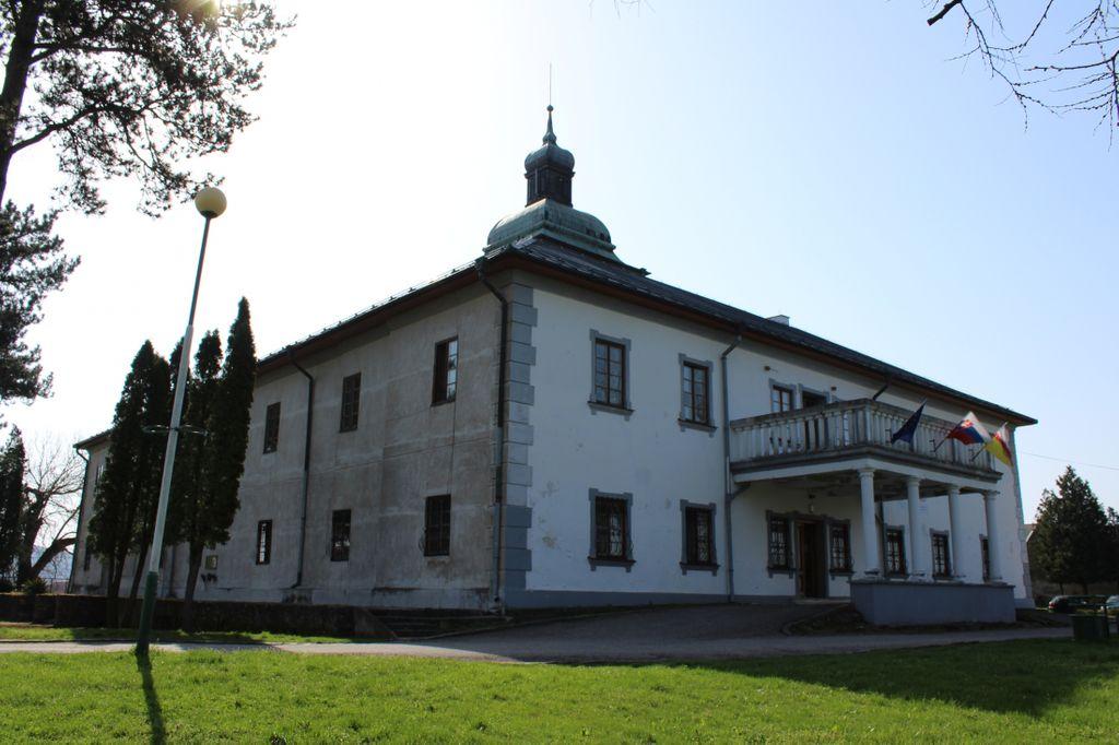 www.stredanadbodrogom.sk